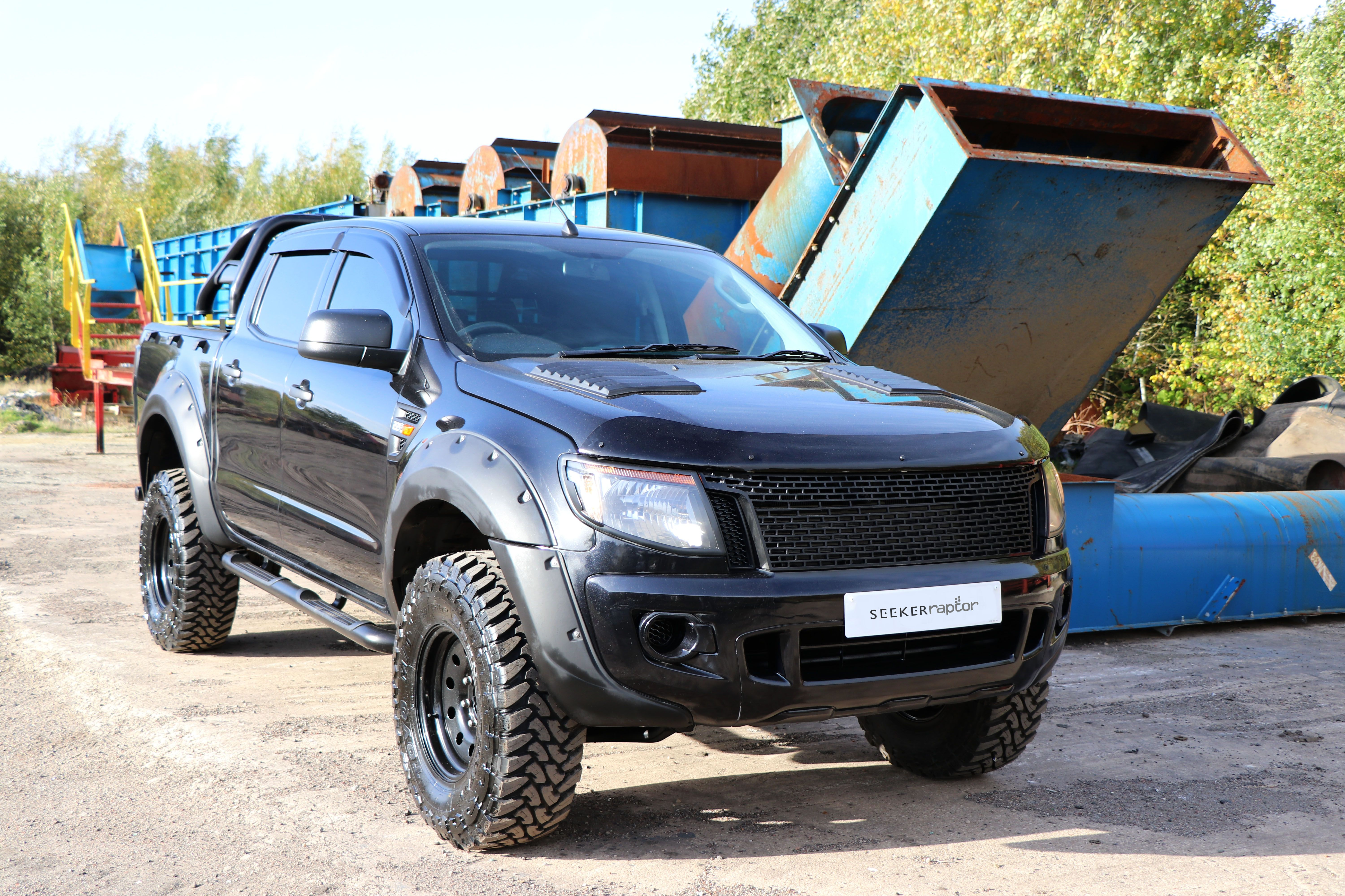 SEEKER Raptor All Black Edition - a conversion for the Ford Ranger.