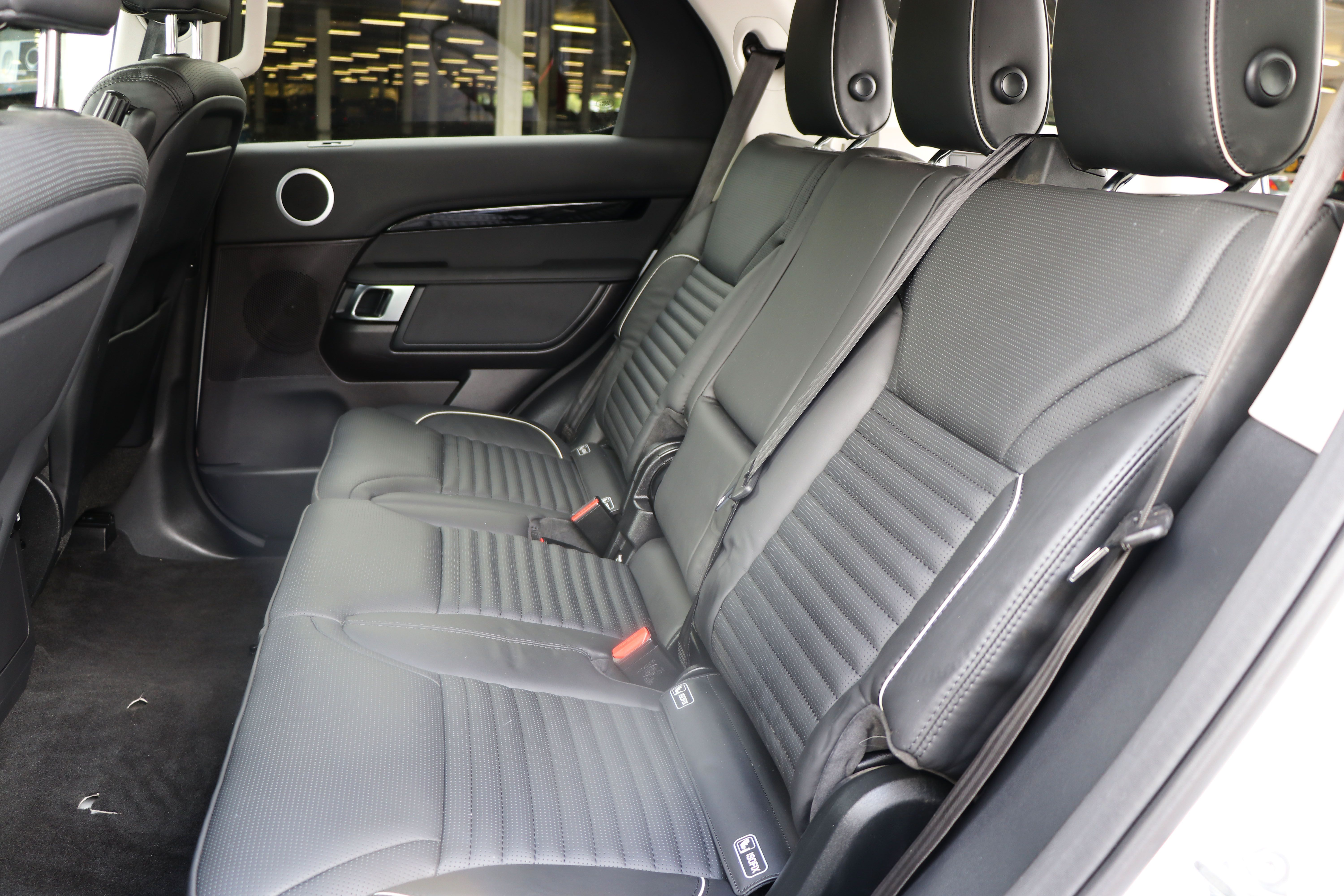 Rear Seat Conversion for the pre-owned Land Rover Discovery 5 Commercial Vehicle